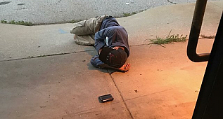 Homeless Man Sleeps Outside Of Animal Shelter Hoping That They Have Found His Lost Dog